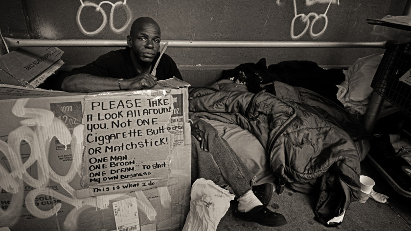 Shay Kelley a John Conn a ich (foto)projekty na pomoc ľuďom bez domova