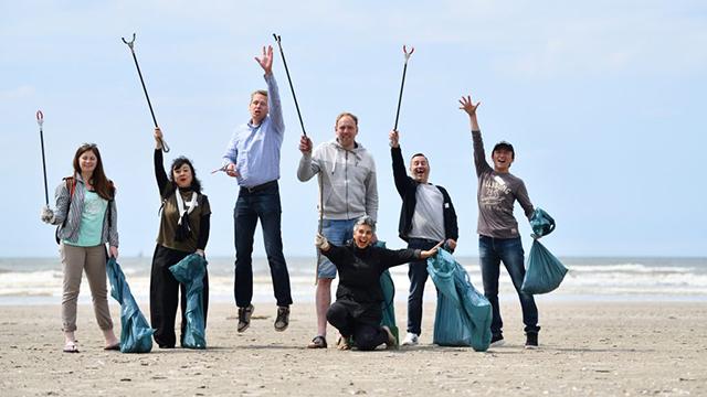 Nikon za čistejšie pláže